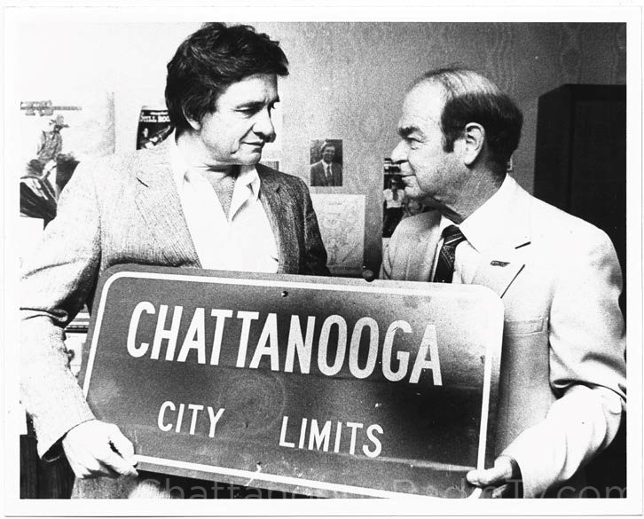 Johnny Cash with Chattanooga City Commissioner Paul Clark in 1981