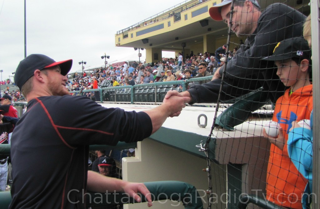 Craig Kimbrel signing autographs, March 2015
